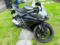 Yamaha YZFR.125 GOOD CONDITION 2014 FIRST £2150 TAKES IT!.