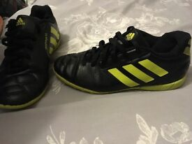 Boys AstroTurf football boots size 3