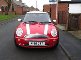 BMW Mini Cooper 2005 Chilli Pack Red and White 1.6 *REDUCED PRICE*