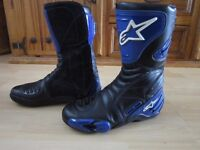 ALPINESTARS MOTORCYCLE BOOTS Size 43 - UK Size 9 - In Excellent Condition.