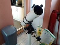 Telescope 4 inch reflector with heavy base