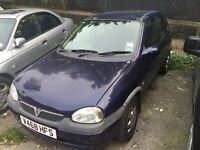 Automatic Vauxhall Corsa CDX. 1.2 litre small engine. 5 door. TAX/MOT-03/2016. Low insurance / Fuel