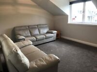 Immaculate 2nd Floor 2 Bedroomed Flat