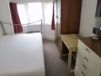 A single room for short let in Golders Green / Brent Cross. NW11. £95 per week. Non Smoking only.