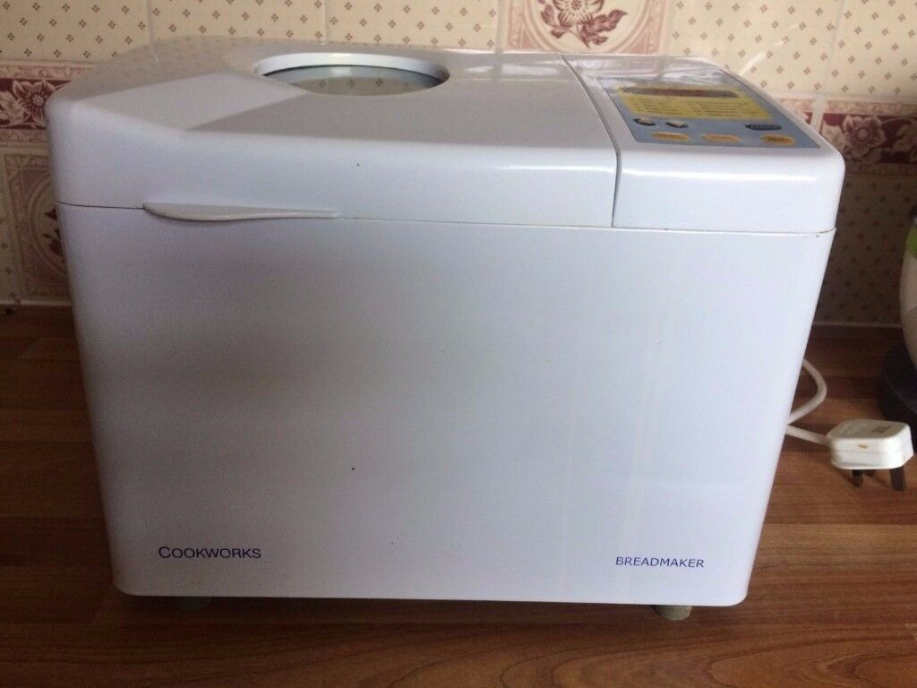 Cookworks bread maker Model BO906 White with instruction booklet Used