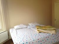 LARGE single or double room, double bed, international students, couple or singles, good location