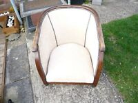 LOVELY ANTIQUE TUB CHAIR