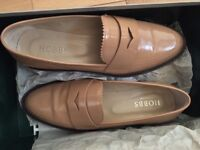 Hobbs Nude Wynne Leather Loafers with the box - Great condition RRP - £169
