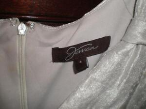 White fancy dress for woman (small size), Robe pour femme West Island Greater Montréal image 6