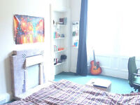 Spacious double room for 2.5 weeks in BEST LOCATION - Festival let - fom 29th July