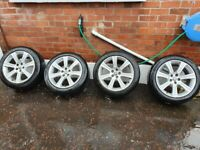Set of alloy wheels with tyres