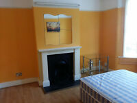 Large Double rooms available in Leyton East London Central line