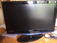 """Sony 32"""" tv. Excellent condition"""