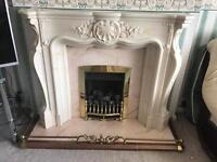 Gas fire surround and gas fire
