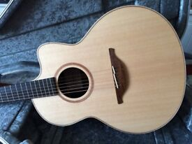 Lowden F32C Acoustic Guitar (Bargain as New)