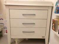 Chest of drawers/changing table