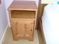 BROWN BEDSIDE TABLE & NIGHTSTAND - Square End Table - 63cm (Height) x 35cm (Depth) x 36cm (Length)