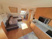 A SPACIOUS STUDIO FLAT TO LET NEAR UPNEY STATION