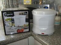 ELGENTO ELECTRIC POTATO PEELER AND SALAD SPINNER. UNWANTED GIFT. NOT USED. COST £30. YOURS FOR £15.
