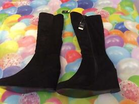 Women's knee high black suede boots size 6
