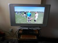 Grundig 32 Inch TV with Freeview box