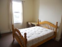 Large attractive 1 or 2 bed flat available now