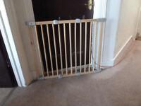 Child's safety gate