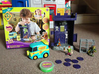 Scooby Doo Torment Tower with figures and goo