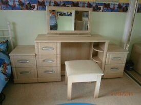 6 peice Modern Bedrrom furniture