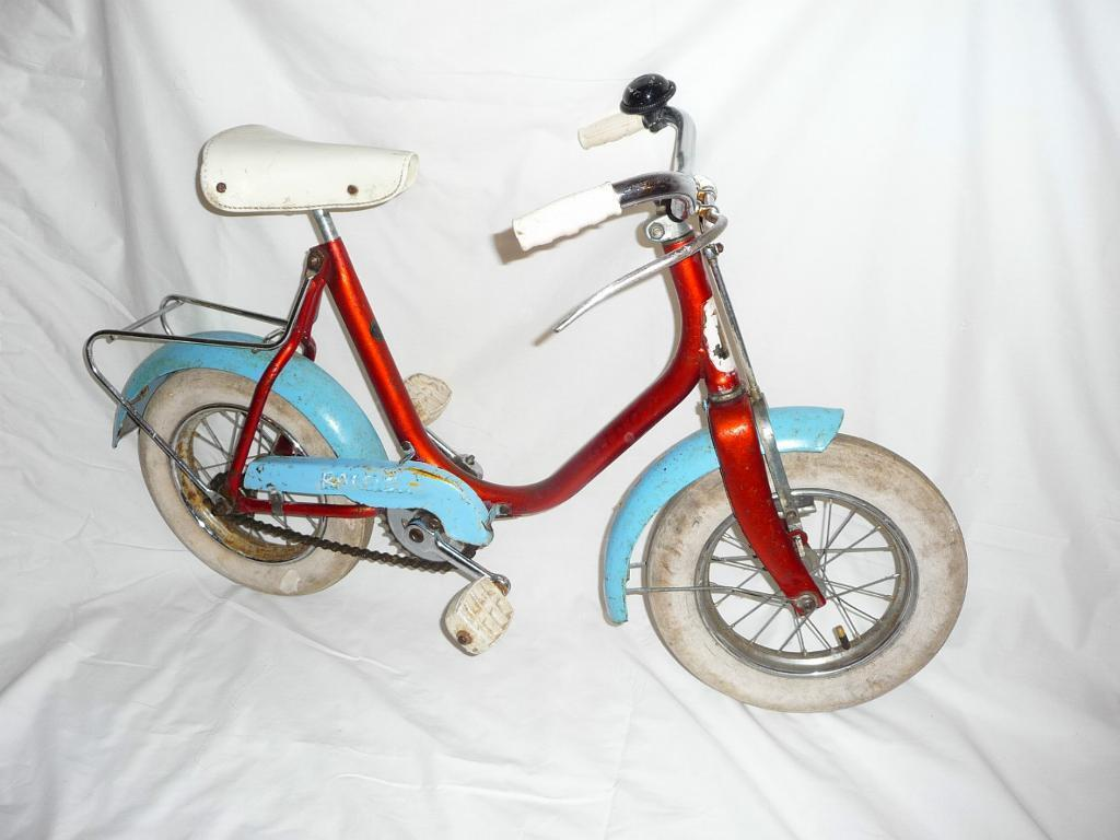Vintage Childrens Raleigh Bikes 163 20 Each In Cathcart