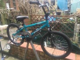 Boys bmx bike unridden!!