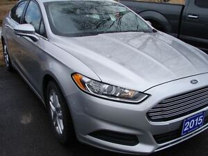 2015 Ford Fusion SE SAVE BIG ON THIS ONE ,LOTS OF WARRANTY STILL Peterborough Peterborough Area image 3