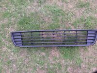 VW CADDY FRONT LOWER GRILL