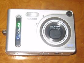 CASIO EXILIM EX-Z4 DIGITAL CAMERA, CHARGING DOCK & MOBILE CHARGER UNIT