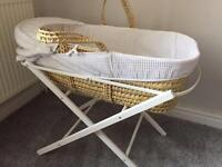 Moses Basket & Baby Gym