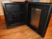 Crofton Professional Thermoelectric Refrigerator