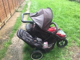 Phill & tedys double buggy +carry cot