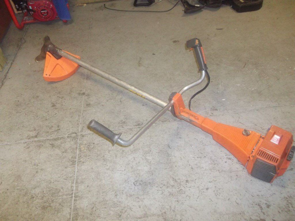 Husqvarna 245r Petrol Strimmer Brushcutter Blade Fitted