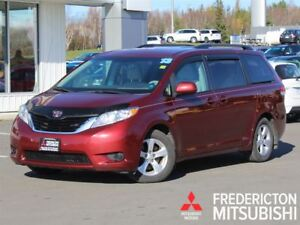 2013 Toyota Sienna LE! BACKUP CAM! POWER SLIDING DOORS!