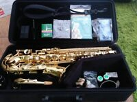 Yamaha YAS 275 Alto Saxophone - Fantastic condition with books/accessories