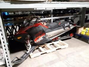 Like New! 2011 Ski-doo Renegade 600 HD E-Tec Snowmobile