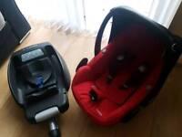 Maxi cosi isofix easy base and Maxi cosi Pebble car seat