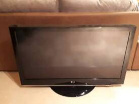 """LG 42"""" TV with Freeview"""