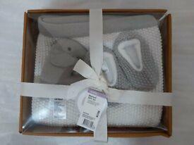 Baby blanket set £25
