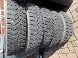 5 landrover defender rims and tyres