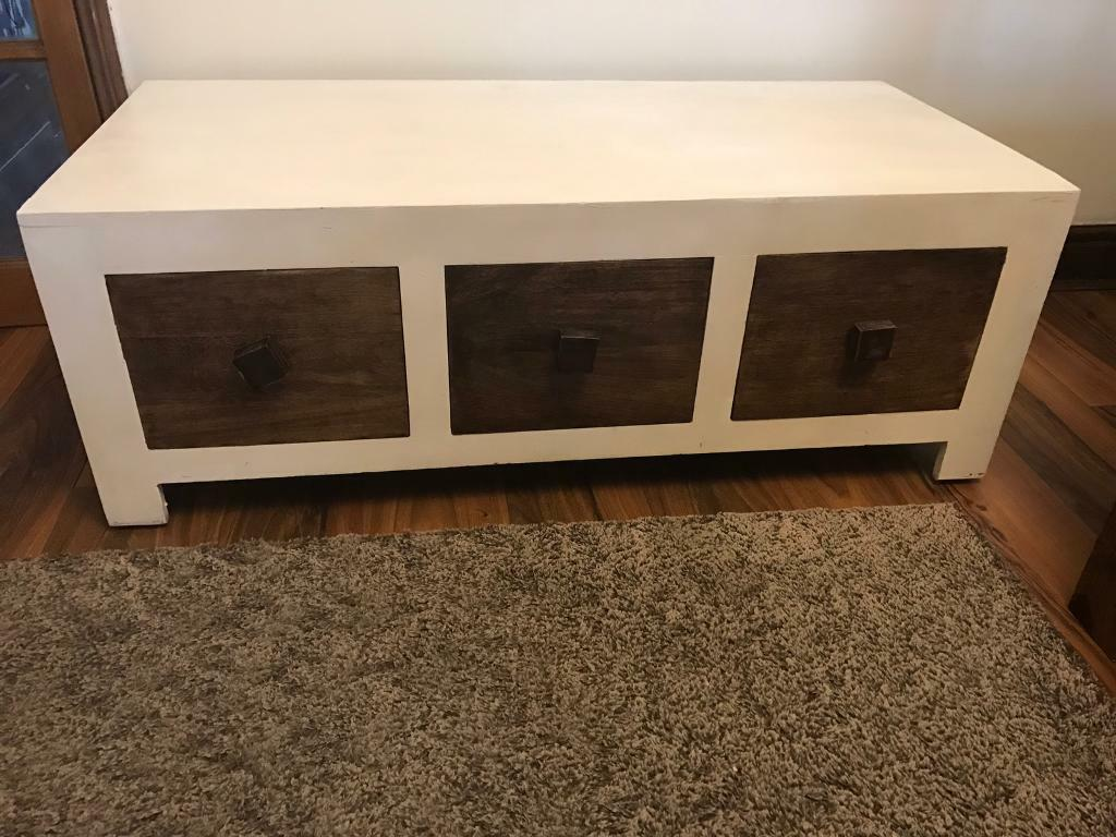 Oak furniture land 6 Drawer Storage large Coffee Tablein Brandon, SuffolkGumtree - Oak furniture land 6 Drawer Storage large Coffee Table H 42cms W 118cms D 55cms We have been painted white but need some touch and drawer someone them stiff.this piece not flat pack furniture one piece furniture Collection Brandon (must pick up cant...