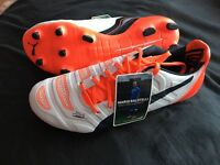 Brand new size 6 EvoPower boots