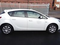 Vauxhall Astra 1.4 petrol MOT November next yearcheap insurance and road tax