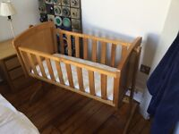 Disney Winnie the Pooh Crib & Mattress with cover- Country Pine