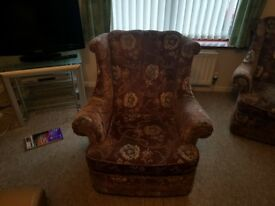 2 Brown Chairs for £1 only 50p per chair. Chairs are not fire proof as they are very old.